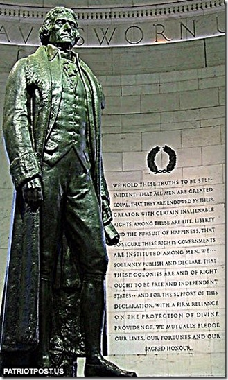 T Jefferson statue next to Decl of Independence