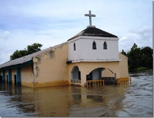 Pakistan Flooded Church 9-2014