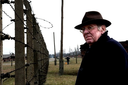 timothy-spall-as-david-irving-in-denial-at-auschwitz