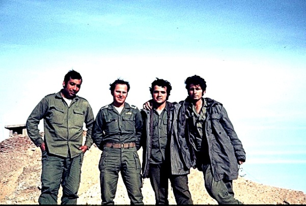 idf-soldiers-my-father-capt-dr-bussel-second-from-left-with-friends-for-life